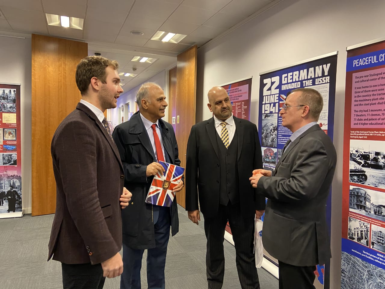 During the event, the head of the Battle of Stalingrad Foundation A. V. Bunin met with the First Secretary of the Embassy of Russia in Great Britain I. Erofeev, British politicians, representatives of the British public and Russian compatriots living in the UK. A.V. Bunin thanked the staff of the Embassy and Rossotrudnichestvo for their help in organizing the activities of the project and expressed hope for continued successful cooperation.